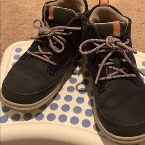 Clarks Cloud Air toddler👦🏻zip-up boots size10.5W